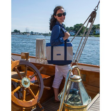 Vineyard Vines Tote with Navy Burgee Design