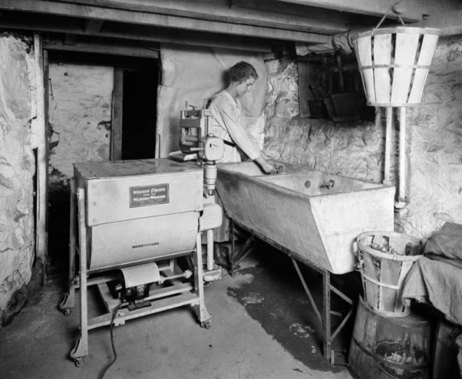Electric Washer and Wringer, 1921