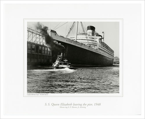 S.S. QUEEN ELIZABETH leaving the pier, 1948