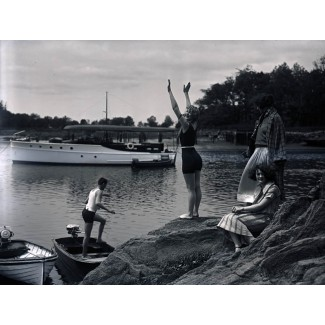 Shoreline Fun, 1921