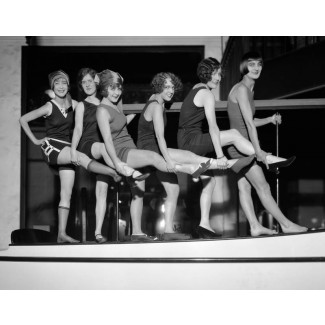 Models on Elco Cruiser, 1924