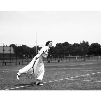 Ladies Tennis Champion: Mary Browne, 1917